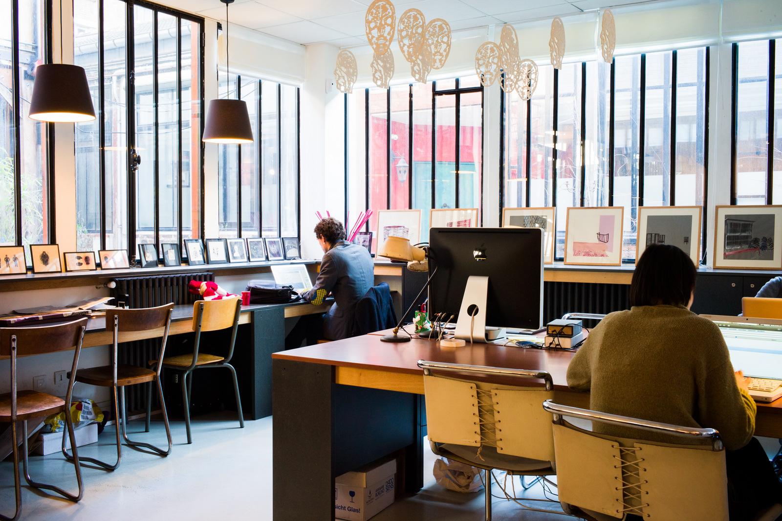 Laptop, coworking à Paris